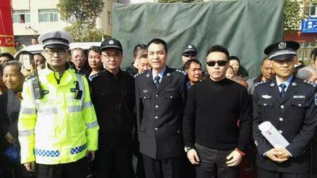 千亿国际亚洲官网总公司为海城民俗文化节保驾...